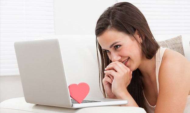 Making the Perfect Start in an Online Relationship