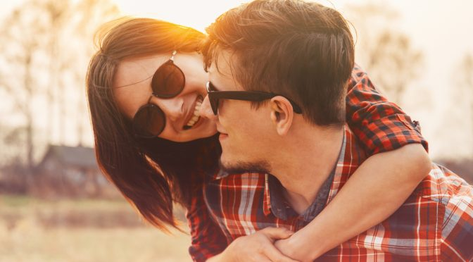 Easy-To-Do Exercises For Thinking Positively In A Relationship | Anastasia Date